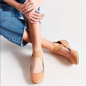 Kimchi Blue (Urban Outfitters) Nude Ballet Flats